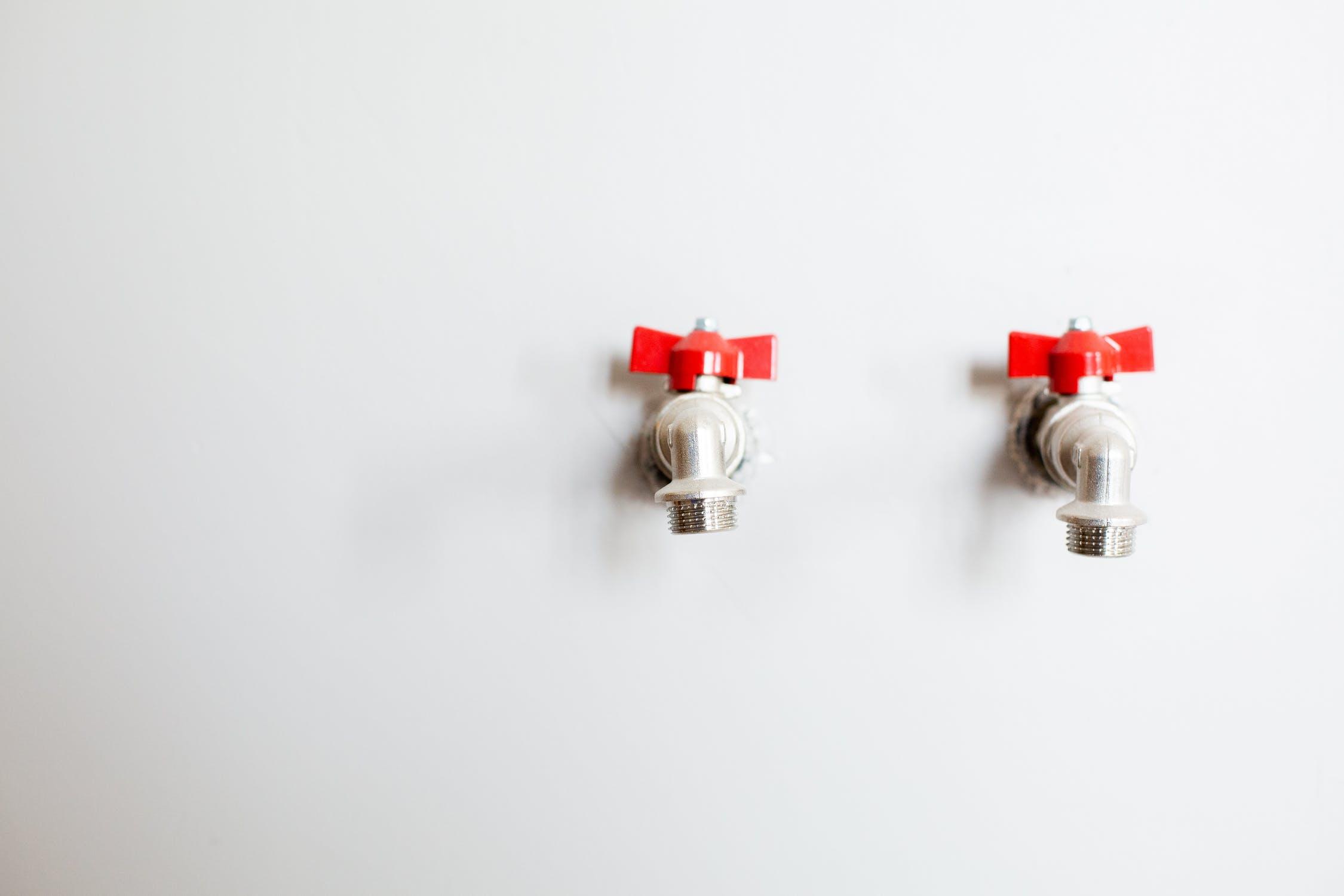 Gezondheid en veiligheid zijn uiterst belangrijk bij het uitvoeren van loodgieterswerkzaamheden in Den Haag